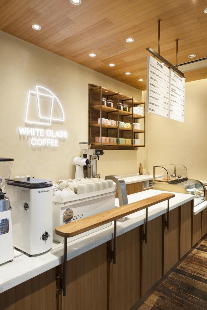 建築ウツギ設計+清水豪輝建築設計事務所_WHITE_GLASS_COFFEE_福岡_007