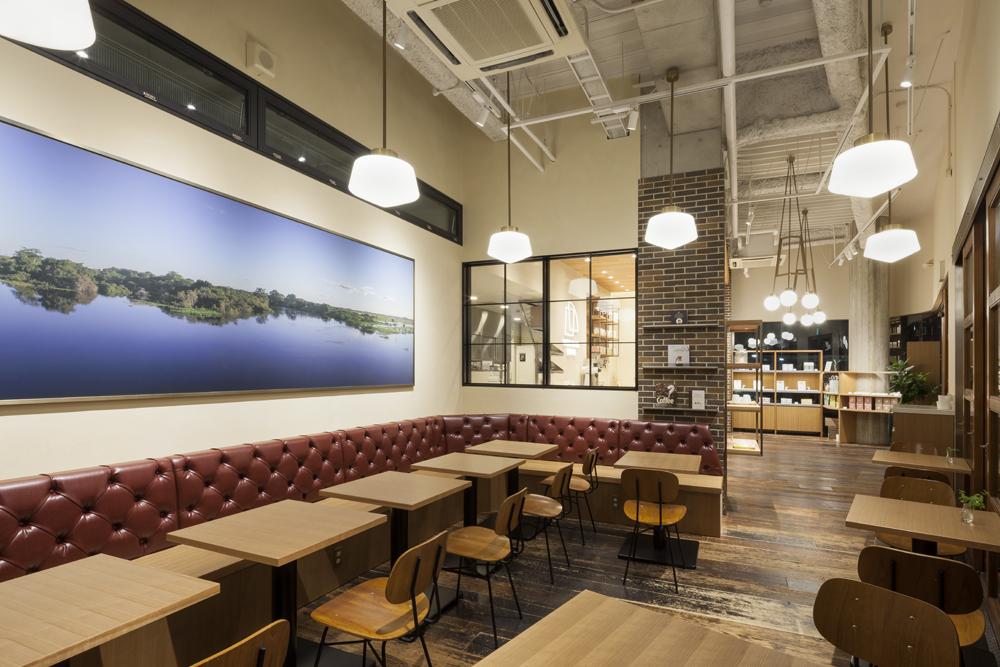 建築ウツギ設計+清水豪輝建築設計事務所_WHITE_GLASS_COFFEE_福岡_003