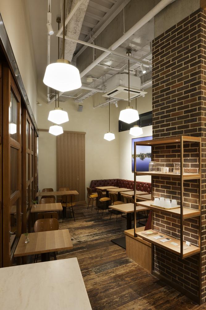 建築ウツギ設計+清水豪輝建築設計事務所_WHITE_GLASS_COFFEE_福岡_008