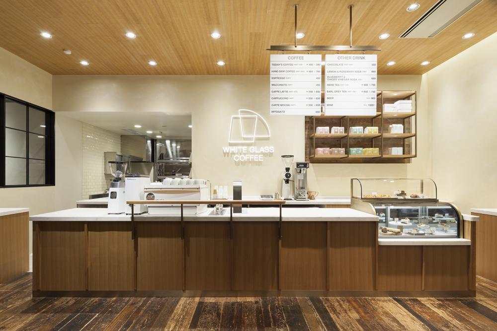 建築ウツギ設計+清水豪輝建築設計事務所_WHITE_GLASS_COFFEE_福岡_001
