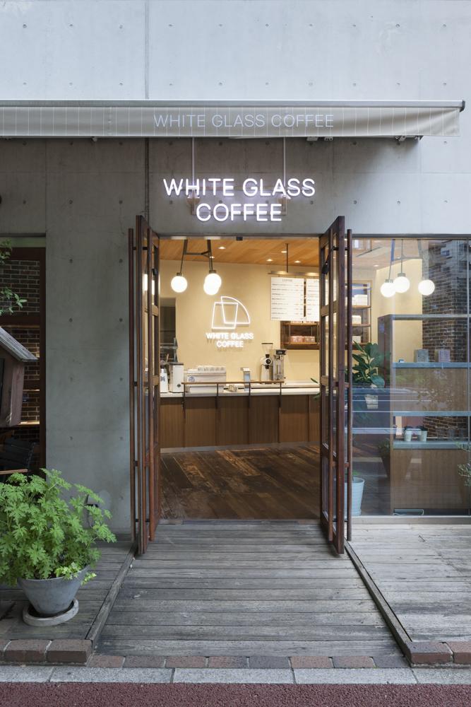 建築ウツギ設計+清水豪輝建築設計事務所_WHITE_GLASS_COFFEE_福岡_013